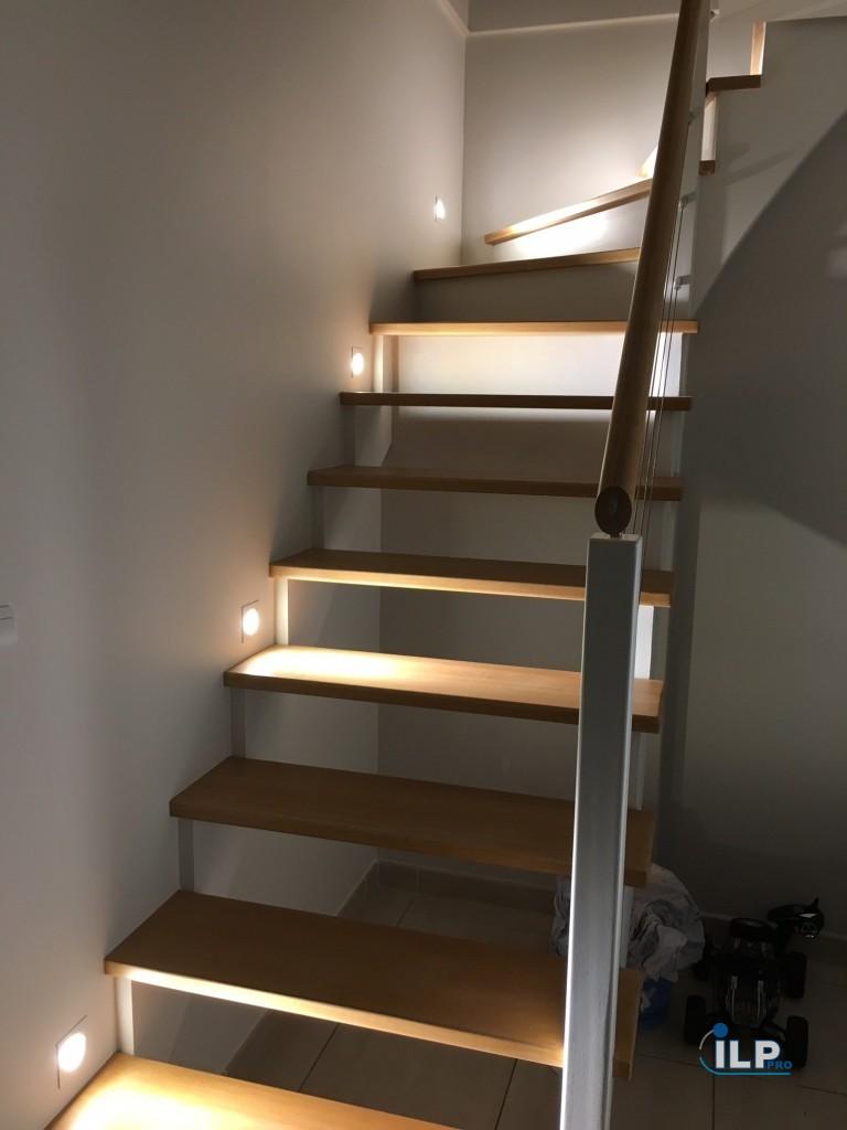 eclairage led dans un escalier ilp pro. Black Bedroom Furniture Sets. Home Design Ideas